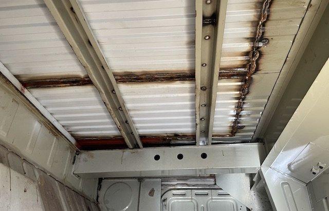 Ladeboden VW Bus T3 Pritsche unterhalb im Tresorraum