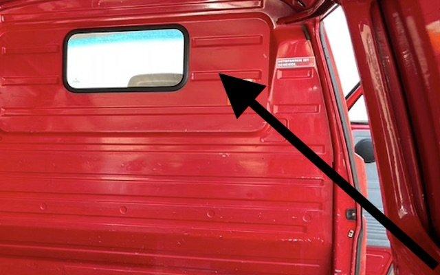 Trennwand mit Fenster im K800 Spartransporter T3 VW