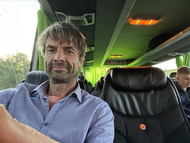 Reisebus Fernreisen richtig gute Sitze Liegesitzposition